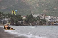 UÇURTMA SÖRFÜ - Sörfçüler Rüzgarın Tadını Çıkardı