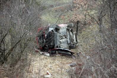 Yoldan Çıkan Otomobil Şarampole Yuvarlandı Açıklaması 6 Yaralı