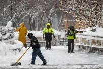 CHICAGO - ABD'de Kar Yağışı Nedeniyle Bin 300 Uçuş İptal