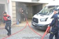 MUTFAK TÜPÜ - Apartmanın Bodrumunda Çıkan Yangın Korkuttu