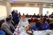 FUTBOL OKULU - Başkan Akgün'den Genç Sporcularla Destek