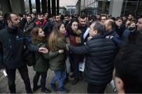 KARADENIZ TEKNIK ÜNIVERSITESI - Belediye Önünde Açıklama Yapan Halkevi Üyelerine Tepki Gösterdiler