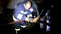 AHŞAP EV - Bolu'da Ev, Ahır Ve Odunluk Yangını