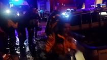 Çanakkale'de Ticari Araç Refüje Çarptı Açıklaması 1 Ölü, 2 Yaralı