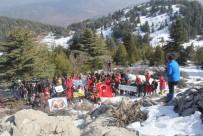 KARATAY ÜNİVERSİTESİ - Dağcılar Ve Doğaseverler Afrin Şehitleri İçin Tırmandı