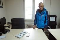 HIRSIZLIK ZANLISI - Evden 53 Bin Lira Çalan Hırsız Kıskıvrak Yakalandı