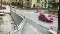 TRAKYA ÜNIVERSITESI - Okul Servisiyle Minibüs Çarpıştı Açıklaması 11 Yaralı