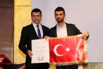 SELAHATTIN AKÇIÇEK - Şampiyonların Kupaları Mehmetçiğe