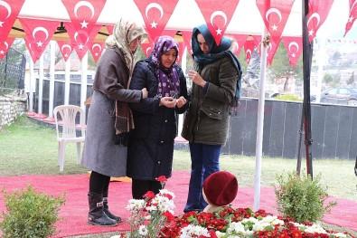 Şehit Ömer Akpınar'ın Annesi Açıklaması 'Bir Ömerler Ölür, Bin Ömerler Gelir'