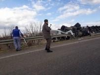 TIR ŞOFÖRÜ - Tırın Yan Yattığı Kazada Sürücü Hayatını Kaybetti