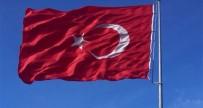 YAĞCıLAR - Türk Bayrağına Çirkin Saldırı