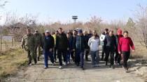 SINIR KARAKOLU - Türkiye-Ermenistan Sınırında Doğa Yürüyüşü