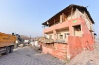 Yeşilyurt'ta 178 Metruk Bina Yıkıldı
