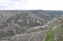 KANYON - 30 Bin Turistin Ziyaret Ettiği Ulubey Kanyonu, 300 Bin Turisti Ağırlayabilir