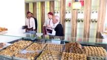 TATLANDIRICI - 'Antep Kahkesi'nin 71 Yıllık Lezzet Ustası