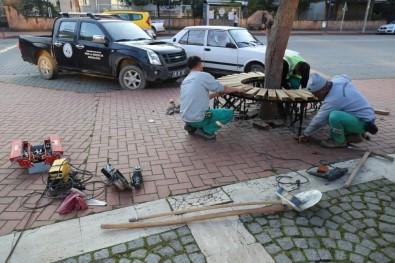 Burhaniye'de Yeni Tasarım Banklar Geliyor