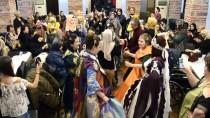 GENÇ KIZ - Bursa'da Engelli Genç Kızlara Temsili 'Kına Gecesi'