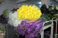 Çiçek Mezadında Sevgililer Günü Yoğunluğu