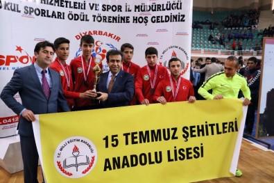 Diyarbakır'da Dereceye Giren Bin 172 Sporcuya Ödülleri Verildi