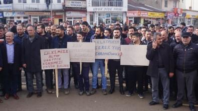 Kangal'da İşçilerden 'Ücretsiz İzin' Protestosu