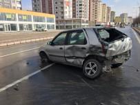ÖĞRENCİ SERVİSİ - Kayseri'de Trafik Kazası Açıklaması 1 Yaralı