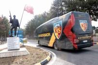 UMUT BULUT - Kayserispor'dan Komandolara Ziyaret
