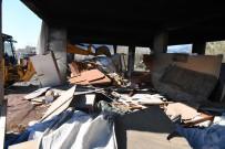 KONYAALTI BELEDİYESİ - Konyaaltı'nda Metruk Yapılar Temizleniyor