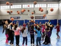 BADMINTON - Küçükçekmece'de Kış Spor Okulları Başladı