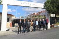 HASAN YıLDıZ - Kuşadası'nda Öğrenci Ve Öğretmenlerden Askere Moral Ziyareti