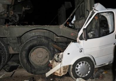 Hatay'da minibüs askeri araca çarptı: 4 ölü, 10 yaralı