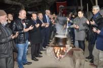 TACETTIN ÖZKARAMAN - Sakarya'da Köylüler Afrinde Görev Yapan Mehmetçiğe Uğut Tatlısı Hazırlıyor