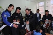 MEDINE - Şemdinli Polisinden 262 Öğrenciye Destek
