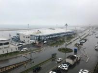 UÇAK SEFERLERİ - Trabzon'da Sis Hava Ulaşımını Olumsuz Etkiledi