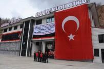 İTFAİYE MÜDÜRÜ - Zeytin Dalı'na Destek İçin Dev Türk Bayrağı Astılar