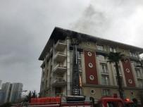 ATAKÖY - Ataköy Konaklarında Bir Ev Alev Alev Yandı