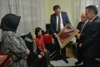 MUSTAFA ÖZDEMIR - Bakan Yılmaz Tarafından Gönderilen Emanetler Şehit Ailesine Teslim Edildi