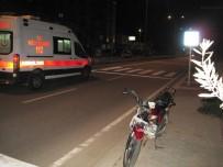 YAYA GEÇİDİ - Çanakkale'de Trafik Kazası Açıklaması 1 Yaralı