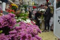 GÜMRÜK VERGİSİ - Çiçekçilerin 14 Şubat mesaisi