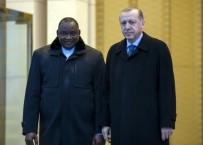 GAMBIYA - Cumhurbaşkanı Erdoğan Gambiyalı Mevkidaşını Resmi Törenle Karşıladı