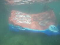 YALıKAVAK - Dalgıçlar Deniz Dibinde Mehmetçik Pankartı Açtı