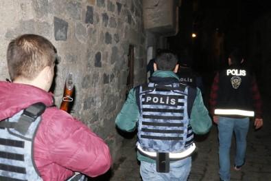 Diyarbakır'da 3 Bin Polisle '15 Şubat' Alarmı Açıklaması 77 Gözaltı