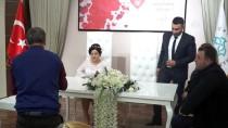 GENÇLİK MERKEZİ - Evlenmek İçin Sevgililer Günü'nü Seçtiler