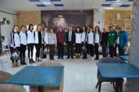 VOLEYBOL TAKIMI - Kaymakam Can'dan, Çiçeklidedespor Voleybol Takımına Kahvaltı