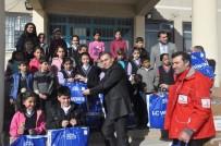 İL MİLLİ EĞİTİM MÜDÜRLÜĞÜ - Kızılaydan 715 Öğrenciye Giyim Yardımı