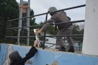AHMET KARAKAYA - Kozlu'da Mehmetçiklere 14 Şubat Sürprizi