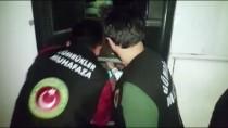 Otobüsün Gizli Bölmesinde Yurt Dışına Çıkarken Yakalandılar