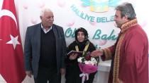 EVLİLİK CÜZDANI - Şanlıurfa'da 38 Çift Sevgililer Günü'nde 'Evet' Dedi