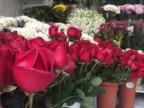 İNTERNET SİTESİ - Sevgililer Günü'nde Çiçekçiler İnternetten Satışından Şikayetçi