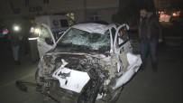 SİGARAYLA MÜCADELE - Sigara Kaçakçıları Bu Otomobilden Sağ Çıktı
