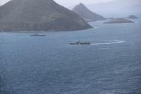 SAVAŞ GEMİSİ - Türk Savaş Gemileri Kardak Kayalıklarından Ayrılmadı